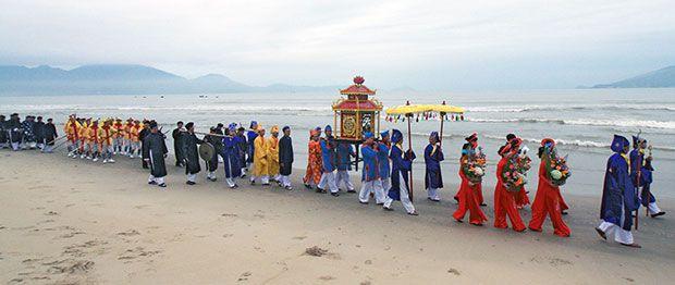 Nâng tầm lễ hội cầu ngư